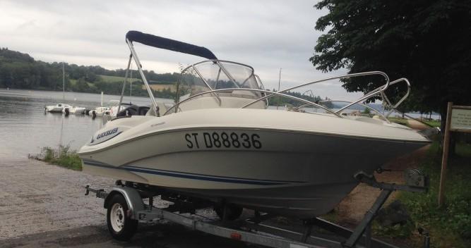 Boat rental Quicksilver Quicksilver 555 Commander in Lac de Pareloup on Samboat
