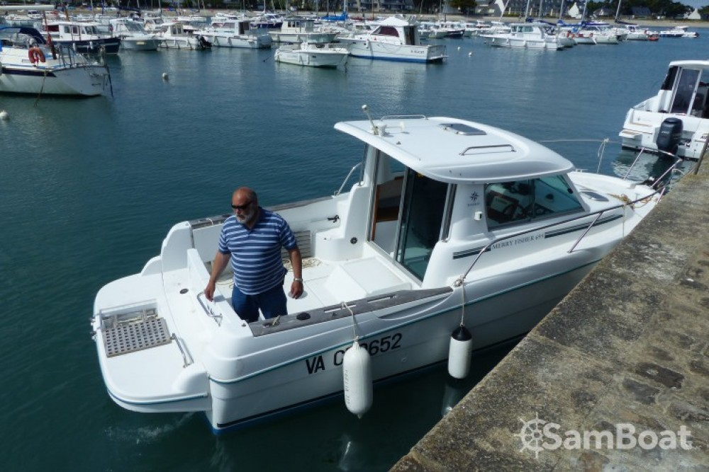 Motorboat for rent Sarzeau at the best price