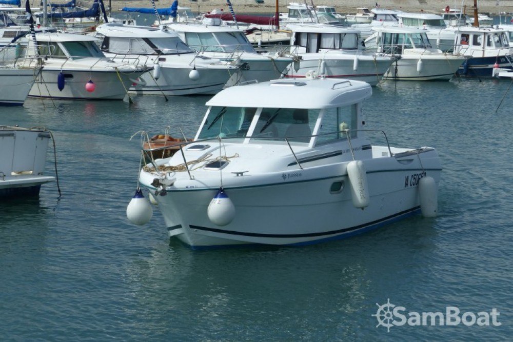 Hire Motorboat with or without skipper Jeanneau Sarzeau