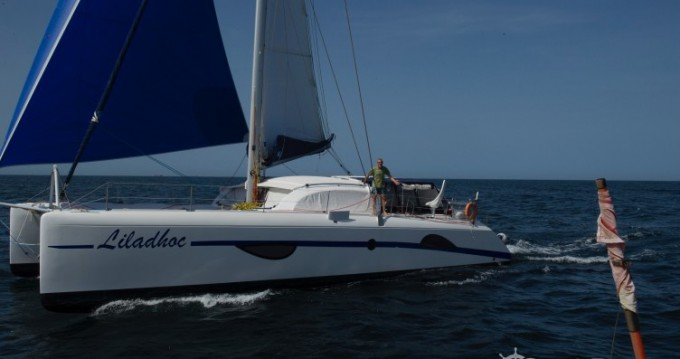 Hire Catamaran with or without skipper Outremer Leucate