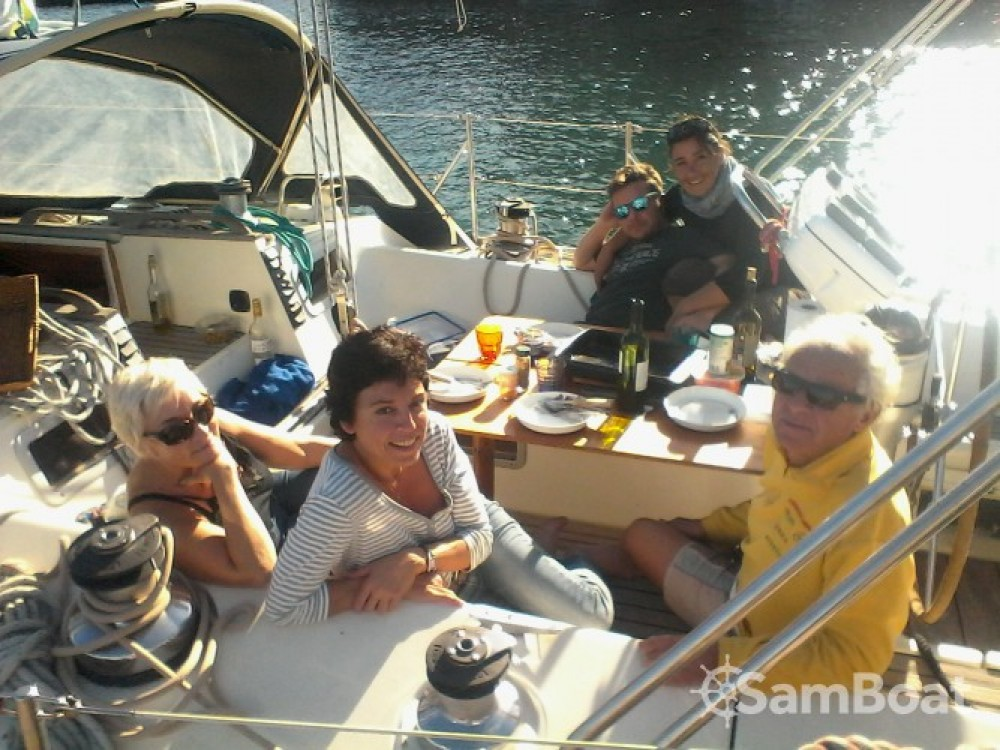 Rent a Jeanneau Sun Kiss 47 Saint-Cyprien
