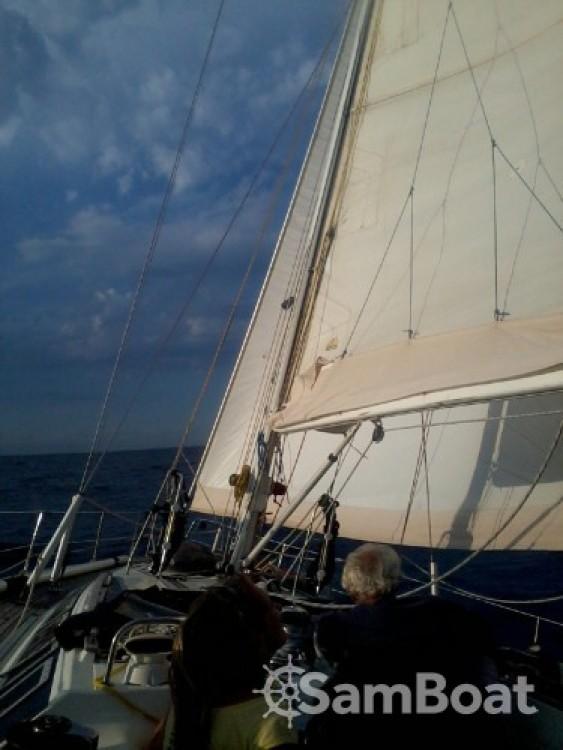 Rental yacht Saint-Cyprien - Jeanneau Sun Kiss 47 on SamBoat