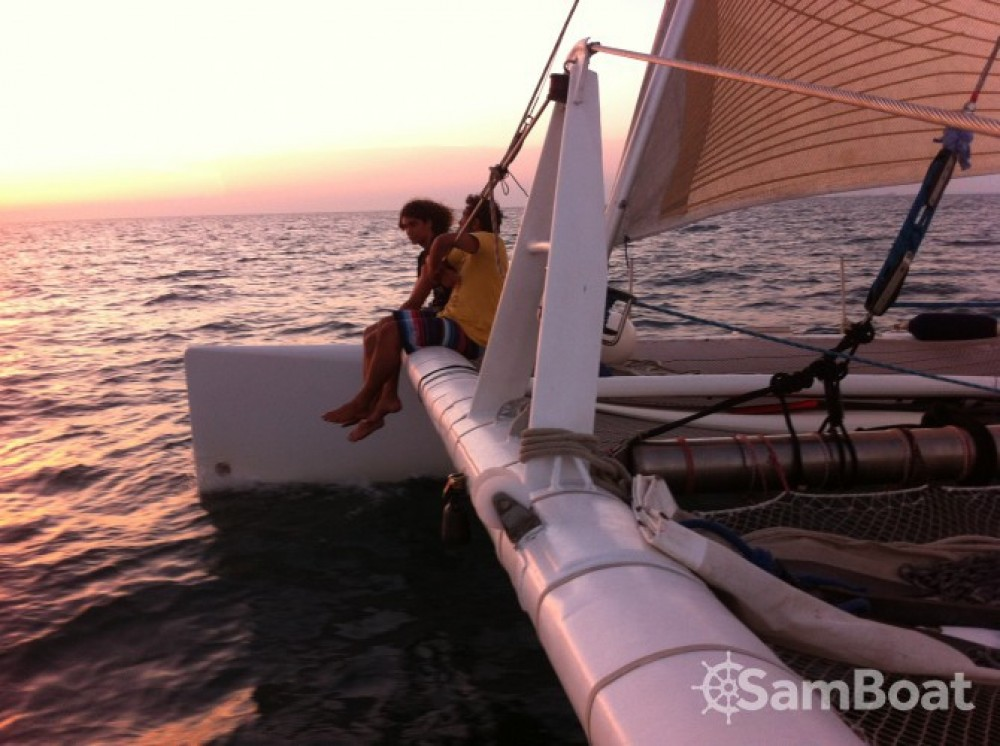 Launet-Sa catamaran de course 60' between personal and professional Le Grau-du-Roi