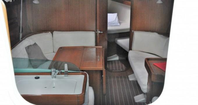 Rental yacht Hamble-le-Rice - Dufour Dufour 40 on SamBoat