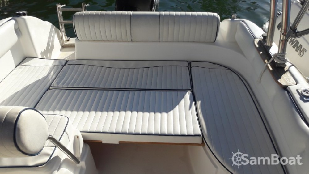 Motorboat for rent Saint-Florent at the best price