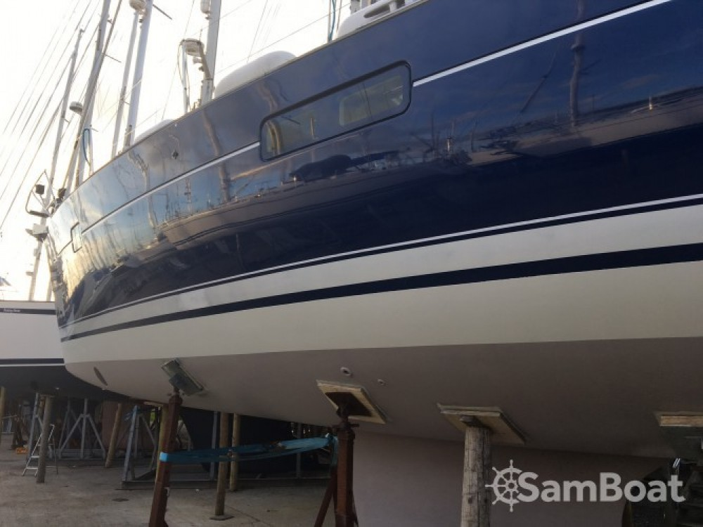 Rental Sailboat in Eastleigh - Bénéteau Oceanis 423
