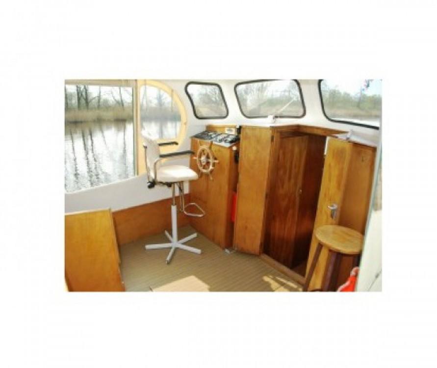Boat rental Bies Motortjalk Bies in Saint-Nicolas-des-Eaux on Samboat
