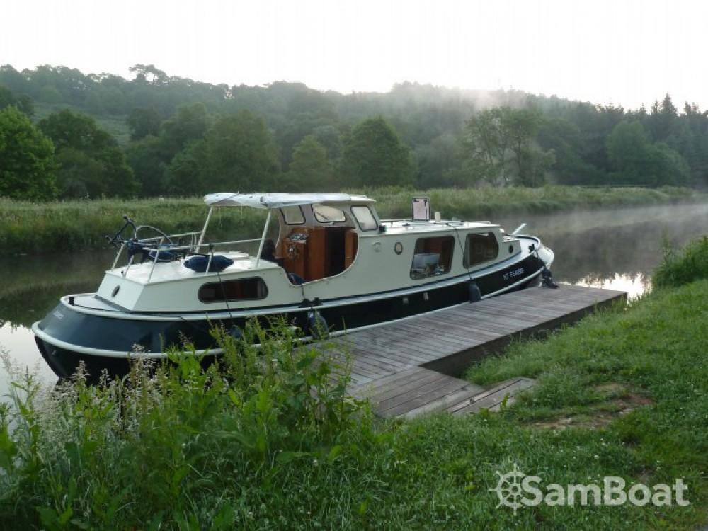 Canal boat for rent Saint-Nicolas-des-Eaux at the best price