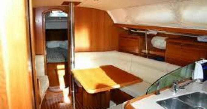 Boat rental Hamble-le-Rice cheap 37