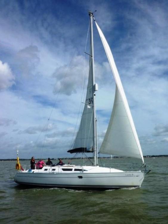 Rental yacht  - Jeanneau 37 on SamBoat