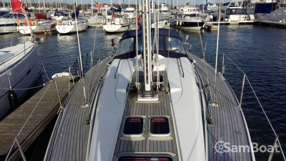 Sailboat for rent Eastleigh at the best price