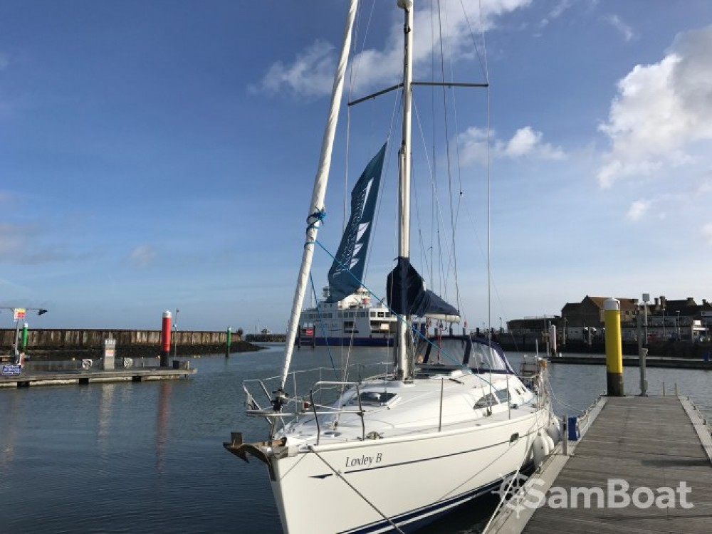 Boat rental Jeanneau 37 in  on Samboat