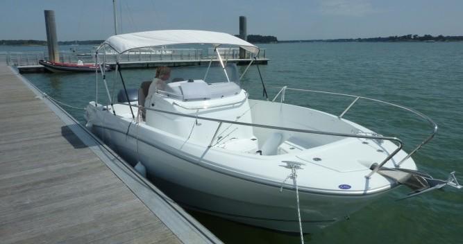 Rental yacht Locmariaquer - Jeanneau Cap Camarat 7.5 CC on SamBoat
