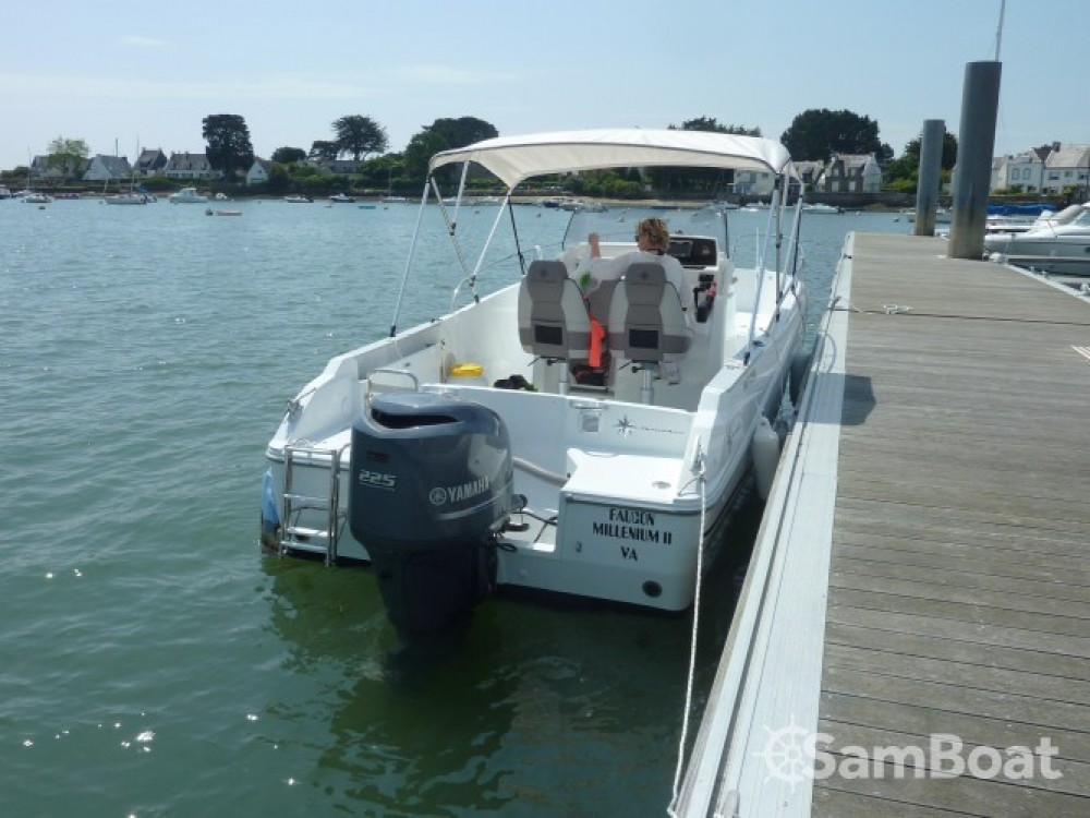 Hire Motorboat with or without skipper Jeanneau Locmariaquer