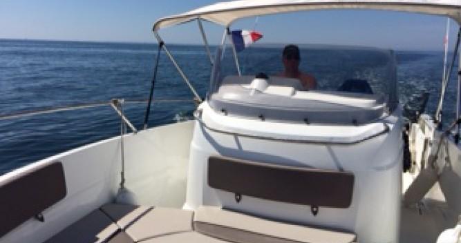 Boat rental Jeanneau Cap Camarat 7.5 CC in Locmariaquer on Samboat