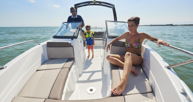 Motorboat for rent La Rochelle at the best price