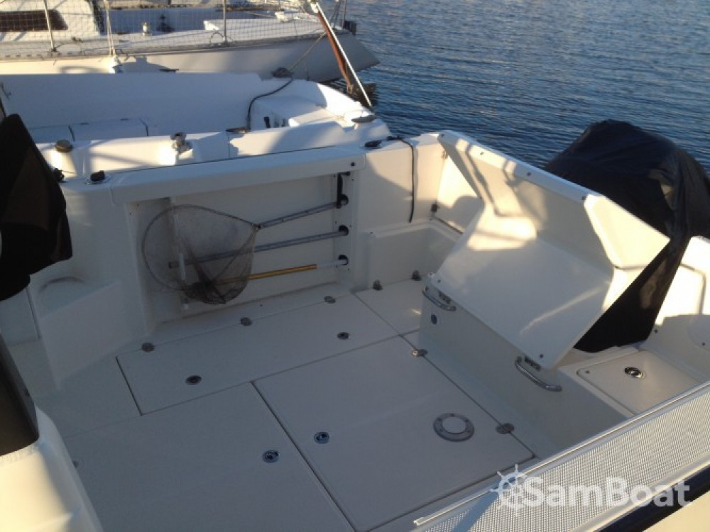 Boat rental Quicksilver Quicksilver 650 Camping in Douarnenez on Samboat