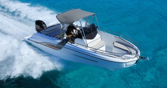 Bénéteau Flyer 6.6 SUNdeck between personal and professional Anglet
