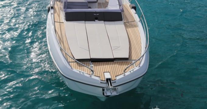 Boat rental Bénéteau Flyer 8.8 SUNdeck in Ajaccio on Samboat