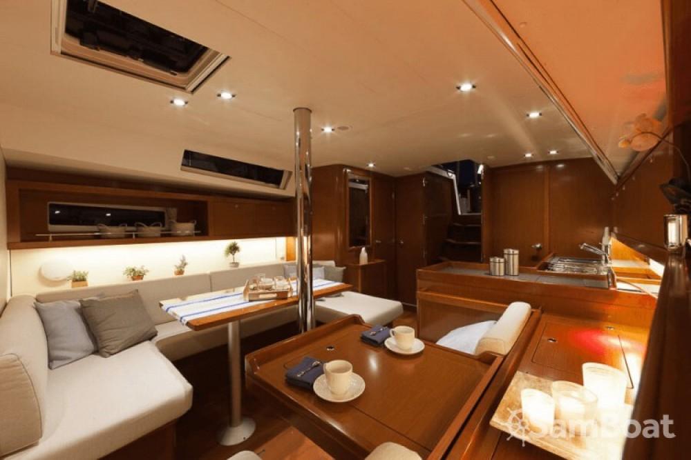 Rental yacht Ajaccio - Bénéteau Oceanis 41 on SamBoat