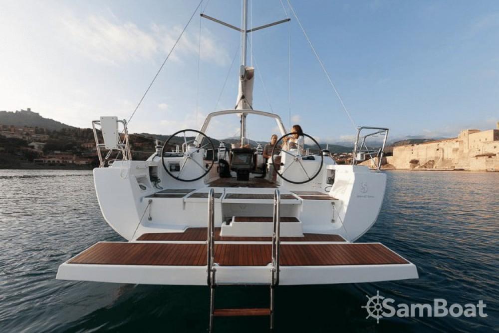 Boat rental Bénéteau Oceanis 41 in Ajaccio on Samboat