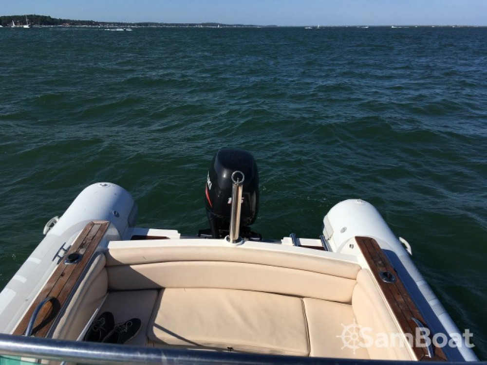 Boat rental Jmp-International NAVIGO SPORT 680 in Lège-Cap-Ferret on Samboat