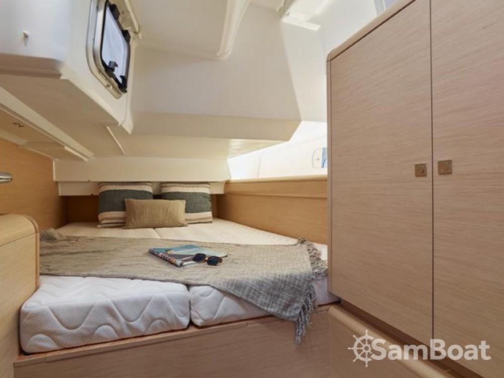 Rental yacht Primošten - Jeanneau Sun Odyssey 449 on SamBoat