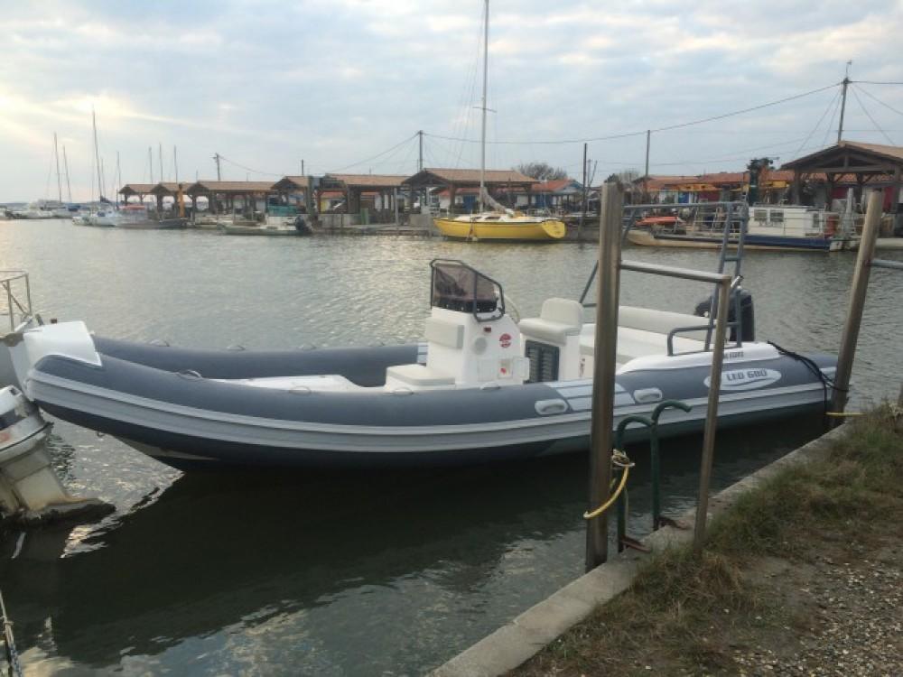 Rent a Nautica Led LED 680 Lège-Cap-Ferret
