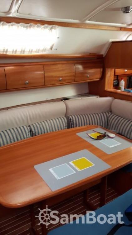 Rental yacht Grimaud - Bavaria Cruiser 38 on SamBoat