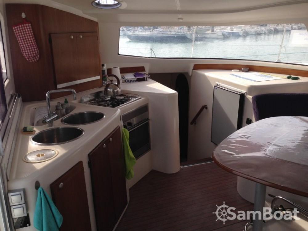 Boat rental La Rochelle cheap Lavezzi 40