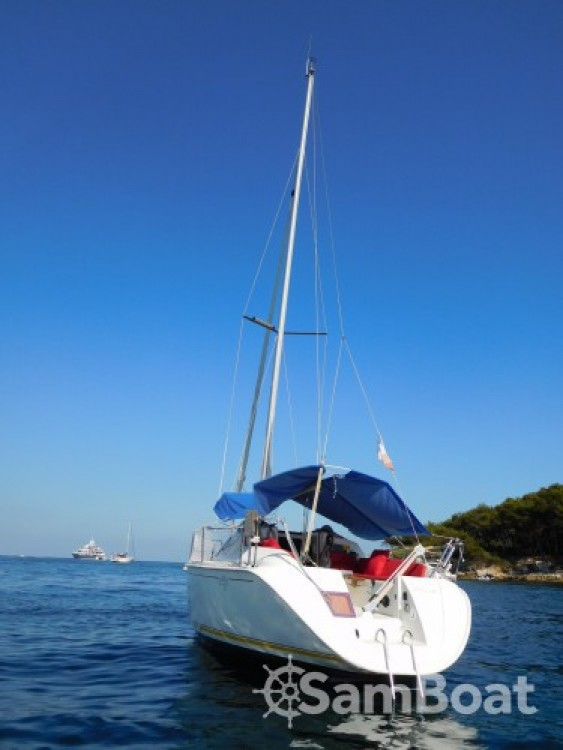 Rental yacht Golfe-Juan - Jeanneau Sun Way 25 on SamBoat