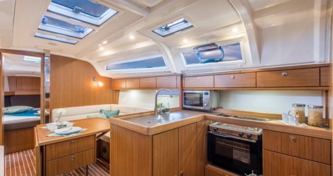 Boat rental Bavaria Cruiser 37 in Vallauris on Samboat