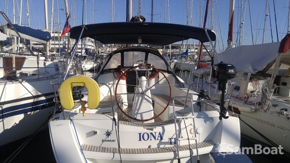 Rental yacht Cannes - Jeanneau Sun Odyssey 36i on SamBoat