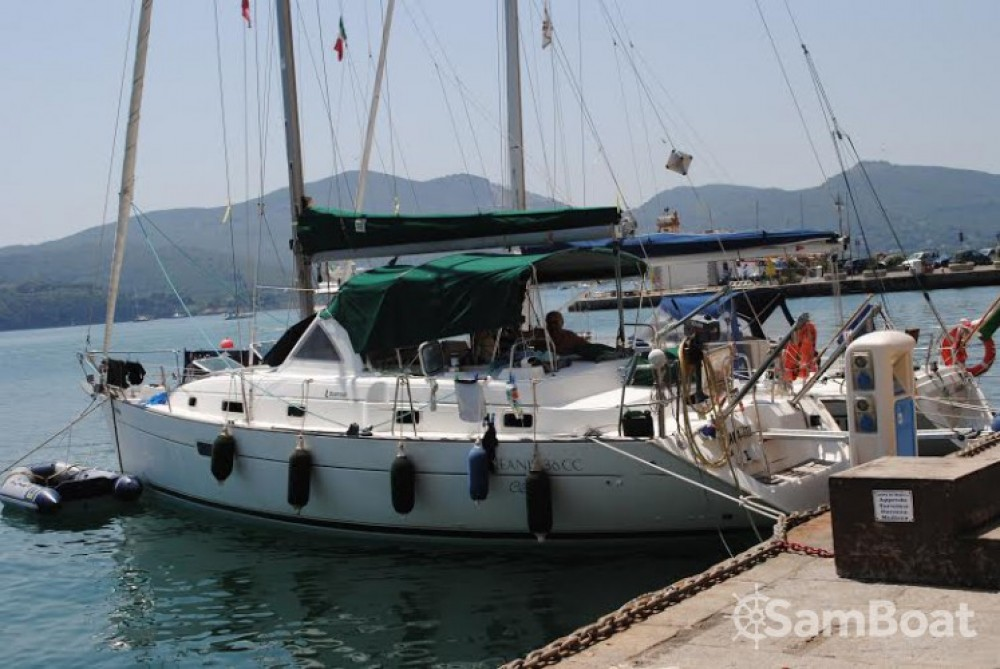 Rental yacht Golfe-Juan - Bénéteau Oceanis 36 CC on SamBoat