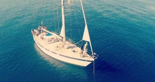 Rental Sailboat Hallberg-Rassy with a permit