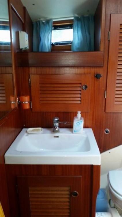 Rental yacht Villeneuve-Loubet - Hallberg-Rassy Hallberg Rassy 42E on SamBoat