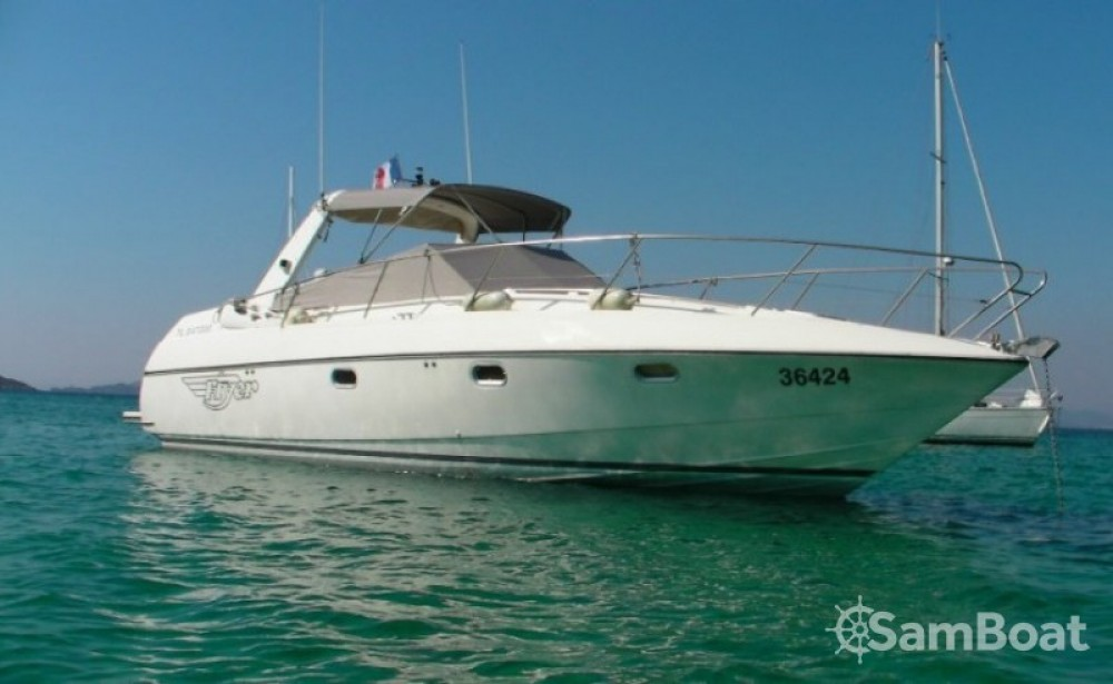 Hire Motor boat with or without skipper Bénéteau Saint-Mandrier-sur-Mer