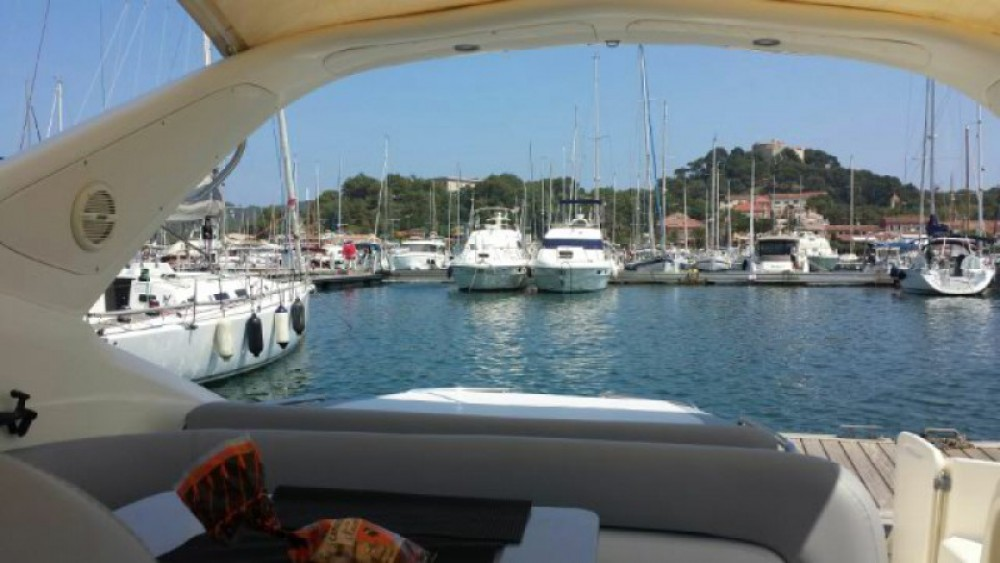 Rental Motor boat in Toulon - Cranchi Endurance 39