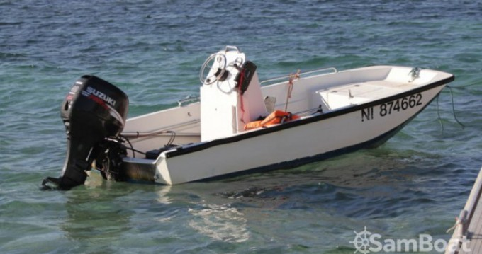 Motorboat for rent Golfe-Juan at the best price