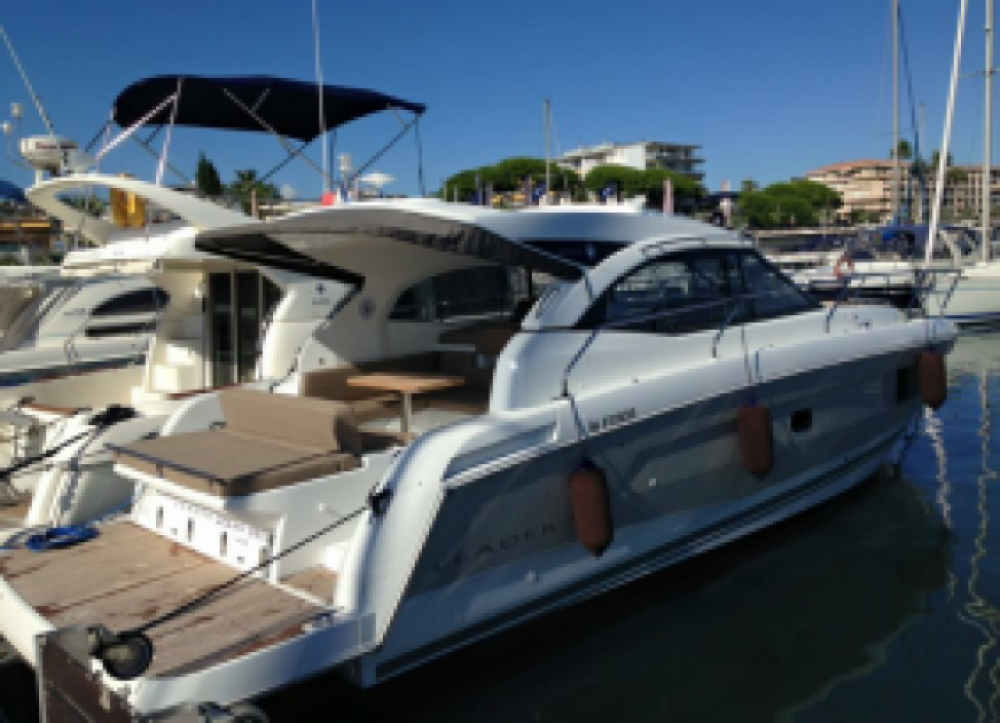 Rent a Jeanneau Leader36 Vallauris