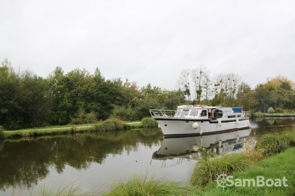 Hire Canal boat with or without skipper Kompier Nantes
