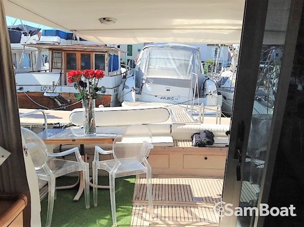 Boat rental Grimaud cheap Guy Couach 1601 Fly