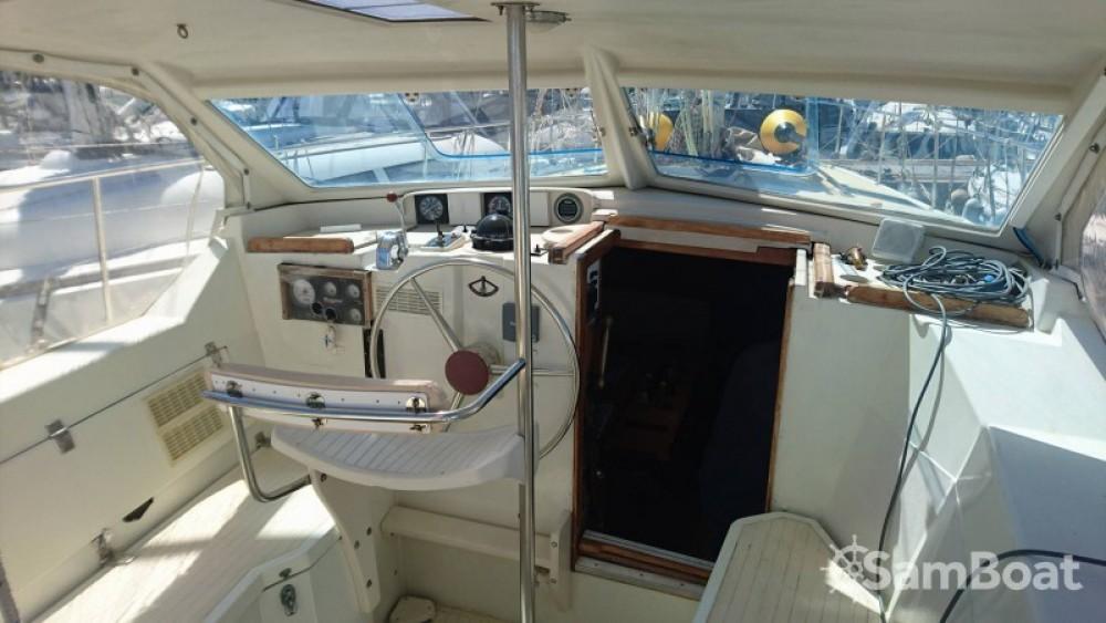 Rental Sailboat in Cogolin - Amel Sharki