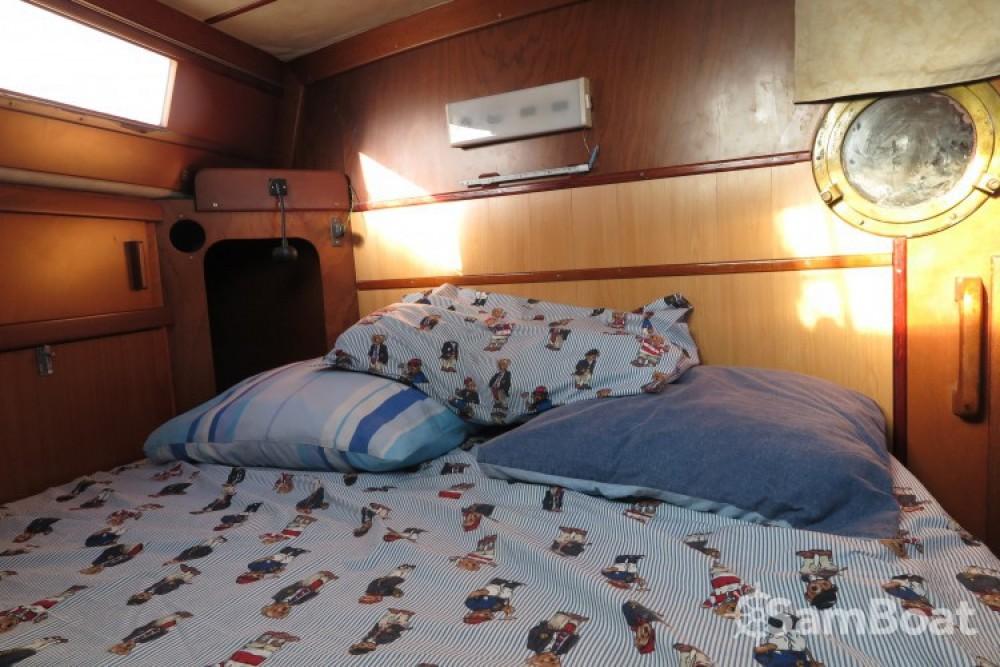 Boat rental Cogolin cheap Sharki