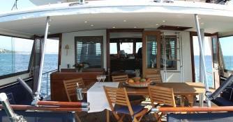 Boat rental Hatteras M/Y 56' in Antibes on Samboat