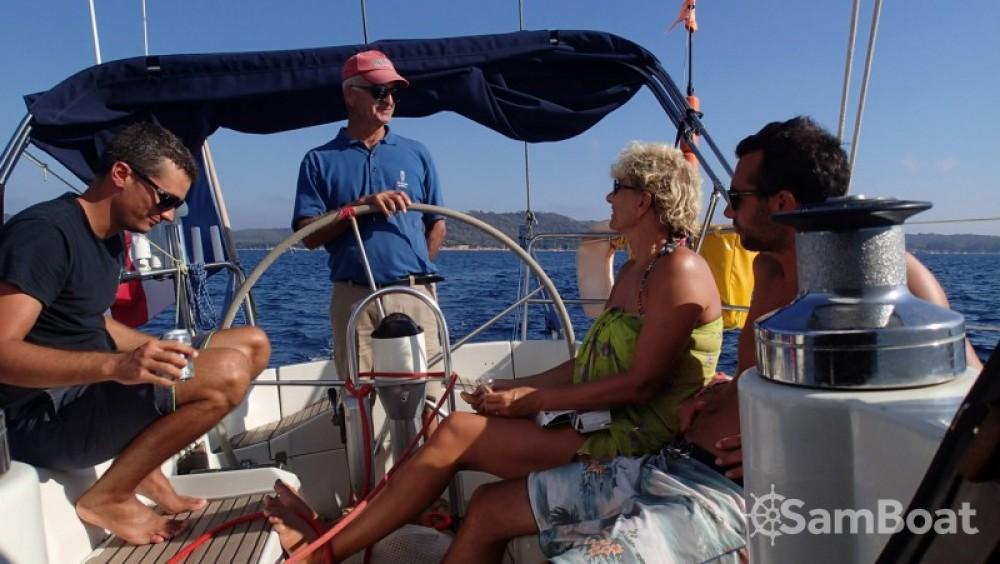 Rental yacht Hyères - Bénéteau First 456 on SamBoat
