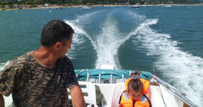 Hire Motorboat with or without skipper Jeanneau L'Herbe