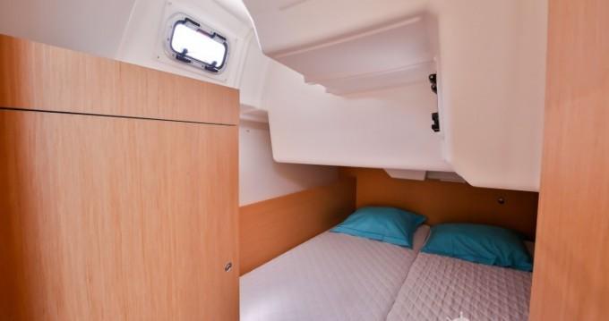 Rental yacht Les Sables-d'Olonne - Bénéteau Oceanis 35 on SamBoat