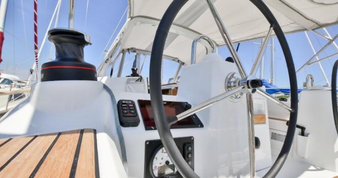 Rental Sailboat in Les Sables-d'Olonne - Bénéteau Oceanis 35
