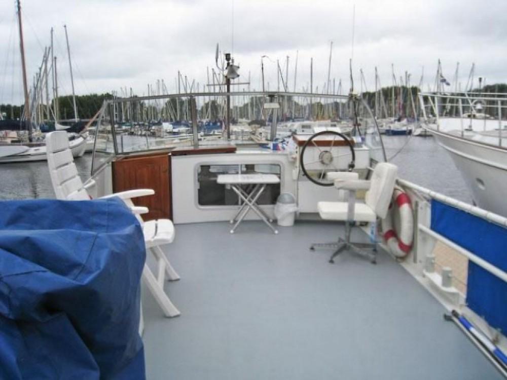 Boat rental Nantes cheap Kruiser AK